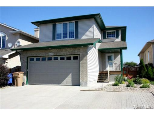 Main Photo: 1637 FENWICK CRES N in Regina: Residential for sale (Regina Area 01)  : MLS®# 470036
