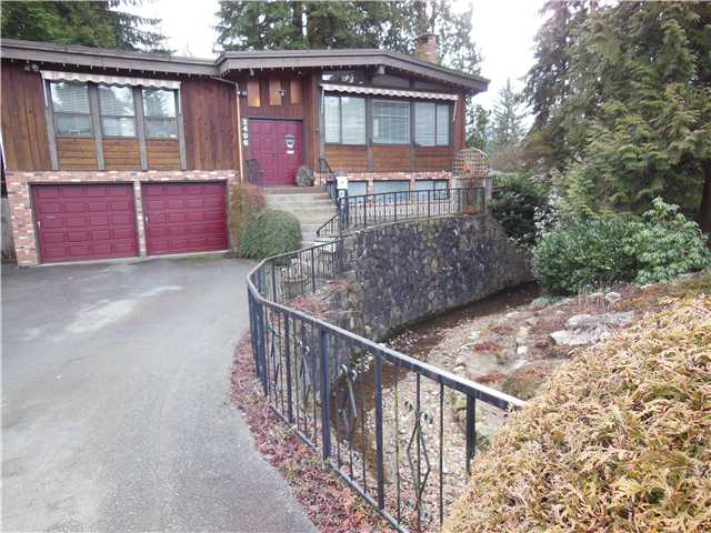 "Main Photo: 2406 WEYMOUTH Place in North Vancouver: Lynn Valley House for sale in ""Lynn Valley"" : MLS®# V1045846"