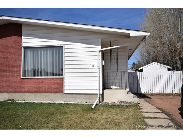 Main Photo: 14 WELLS Street in Red Deer: RR West Park Residential for sale : MLS® # CA0057725
