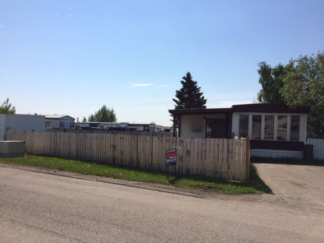 "Main Photo: 137 8420 ALASKA Road in Fort St. John: Fort St. John - City SE Manufactured Home for sale in ""PEACE COUNTRY MOBILE HOME PARK"" (Fort St. John (Zone 60))  : MLS® # N245691"