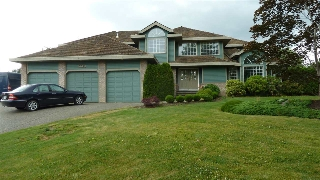 "Main Photo: 7391 151A Street in Surrey: East Newton House for sale in ""CHIMNEY HILLS"" : MLS(r) # R2072556"