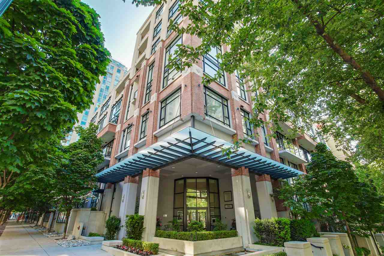 "Main Photo: 411 988 RICHARDS Street in Vancouver: Yaletown Condo for sale in ""TRIBECA LOFTS"" (Vancouver West)  : MLS® # R2075308"