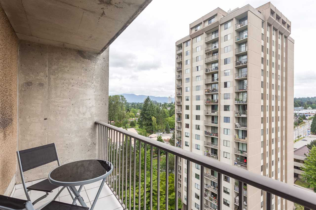 "Photo 12: 1502 9541 ERICKSON Drive in Burnaby: Sullivan Heights Condo for sale in ""ERICKSON TOWER"" (Burnaby North)  : MLS® # R2079707"