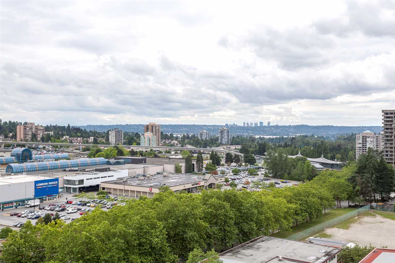 "Photo 15: 1502 9541 ERICKSON Drive in Burnaby: Sullivan Heights Condo for sale in ""ERICKSON TOWER"" (Burnaby North)  : MLS® # R2079707"