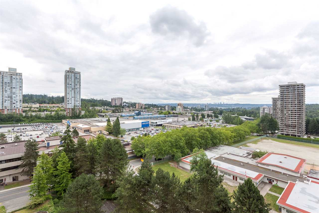 "Photo 14: 1502 9541 ERICKSON Drive in Burnaby: Sullivan Heights Condo for sale in ""ERICKSON TOWER"" (Burnaby North)  : MLS® # R2079707"