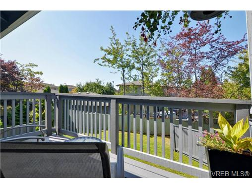 Photo 17: 20 4391 Torquay Drive in VICTORIA: SE Gordon Head Townhouse for sale (Saanich East)  : MLS® # 368012