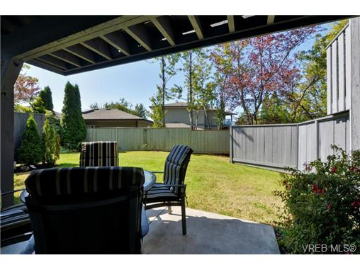 Photo 18: 20 4391 Torquay Drive in VICTORIA: SE Gordon Head Townhouse for sale (Saanich East)  : MLS® # 368012