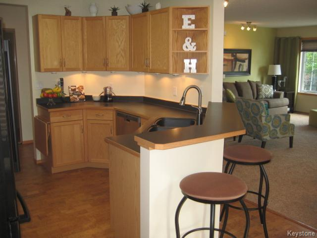 Photo 8: 128 WYNDSTONE Circle in Birds Hill: East St Paul Condominium for sale (3P)  : MLS(r) # 1620831