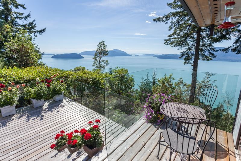 Photo 3: 150 MOUNTAIN Drive: Lions Bay House for sale (West Vancouver)  : MLS(r) # R2133670