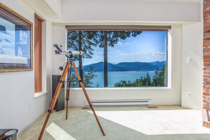 Photo 17: 150 MOUNTAIN Drive: Lions Bay House for sale (West Vancouver)  : MLS(r) # R2133670