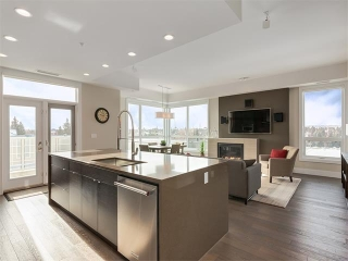 Main Photo: 302 11 BURMA STAR Road SW in Calgary: Currie Barracks Condo for sale : MLS(r) # C4101188