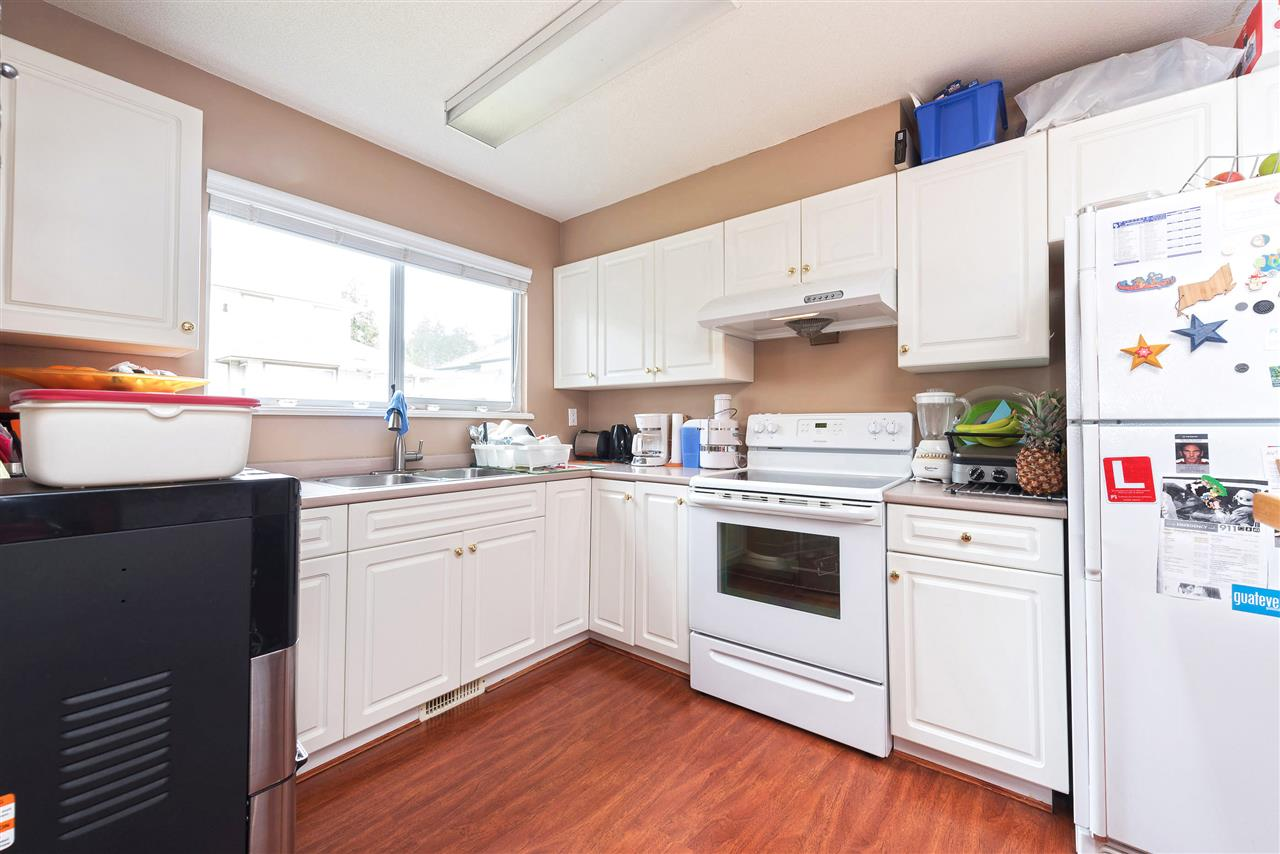 Photo 16: 3313 RAKANNA Place in Coquitlam: Hockaday House for sale : MLS(r) # R2147464