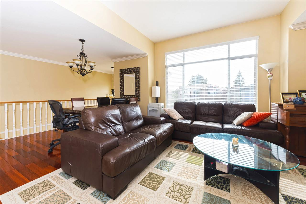 Photo 3: 3313 RAKANNA Place in Coquitlam: Hockaday House for sale : MLS(r) # R2147464