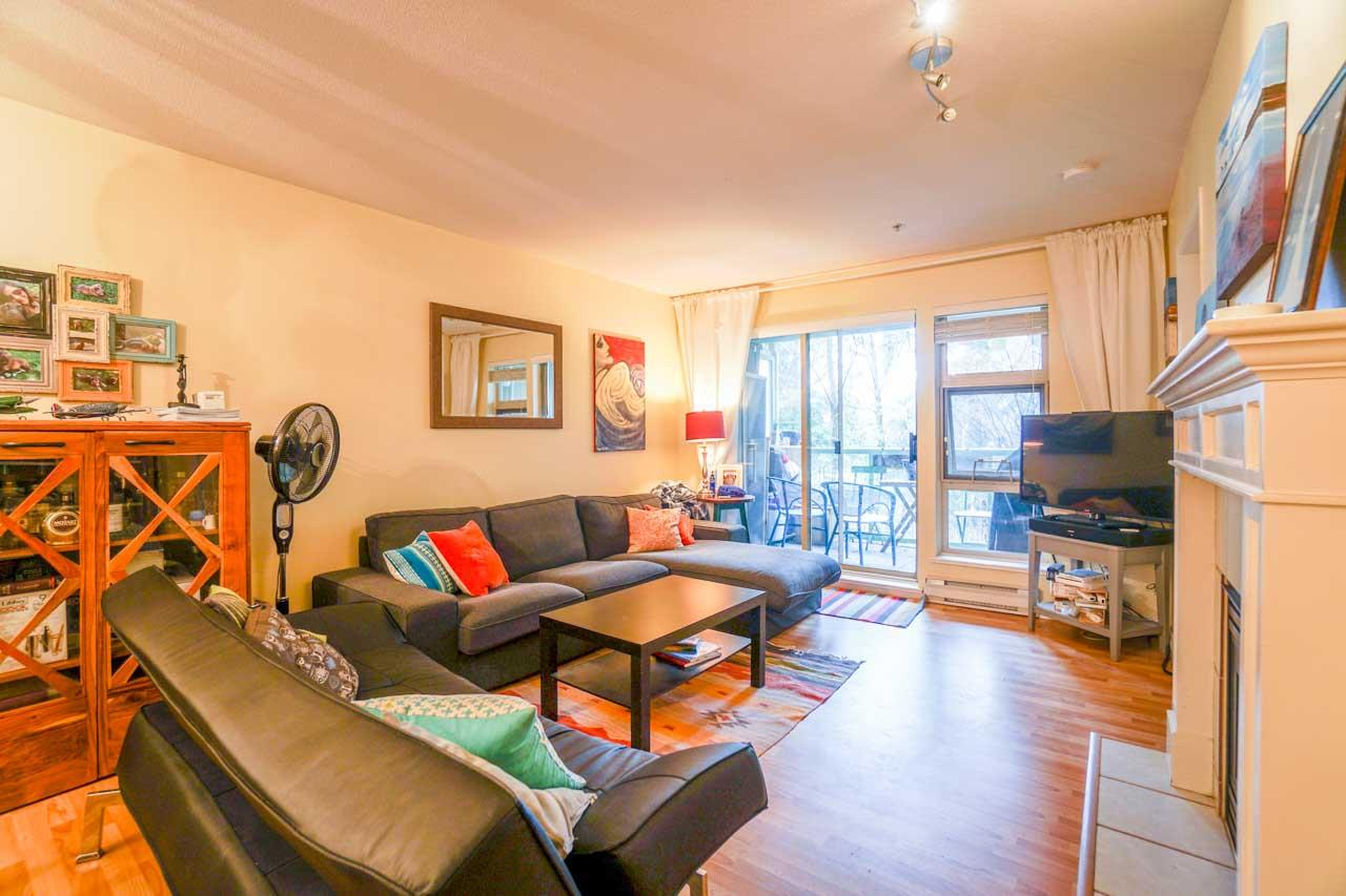 "Photo 6: 210A 301 MAUDE Road in Port Moody: North Shore Pt Moody Condo for sale in ""HERITAGE GRAND"" : MLS® # R2148075"