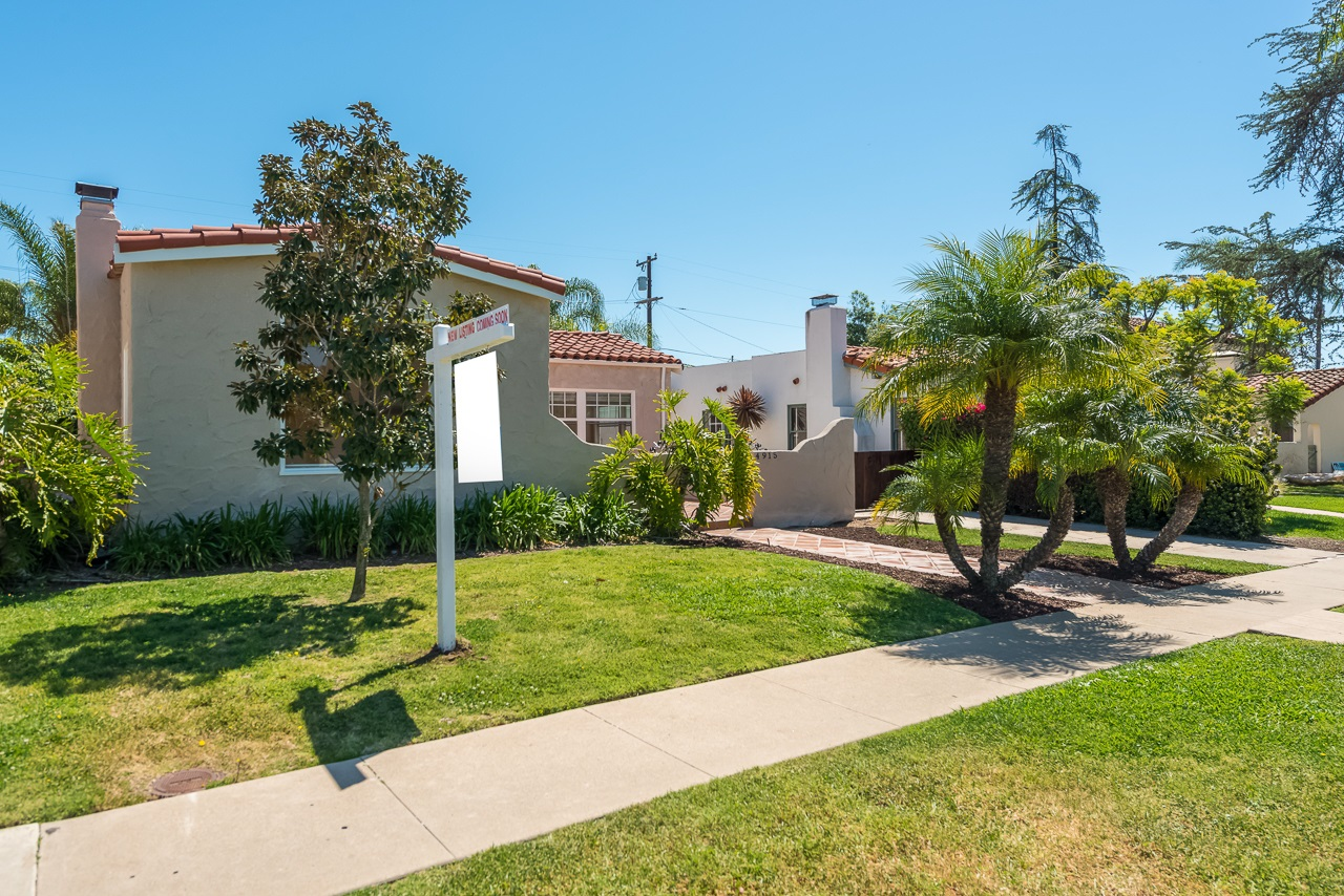 Photo 3: KENSINGTON House for sale : 3 bedrooms : 4915 Kensington Dr in San Diego