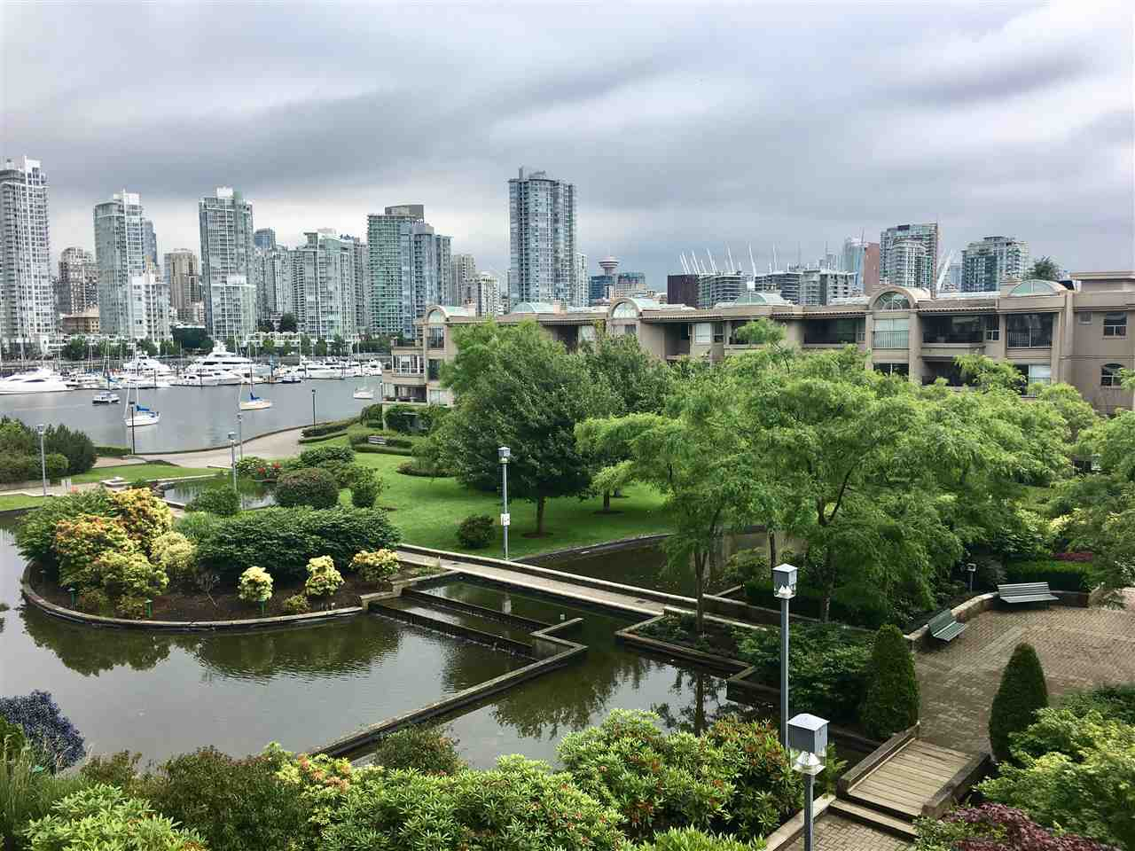 "Main Photo: 402 456 MOBERLY Road in Vancouver: False Creek Condo for sale in ""PACIFIC COVE"" (Vancouver West)  : MLS(r) # R2179312"