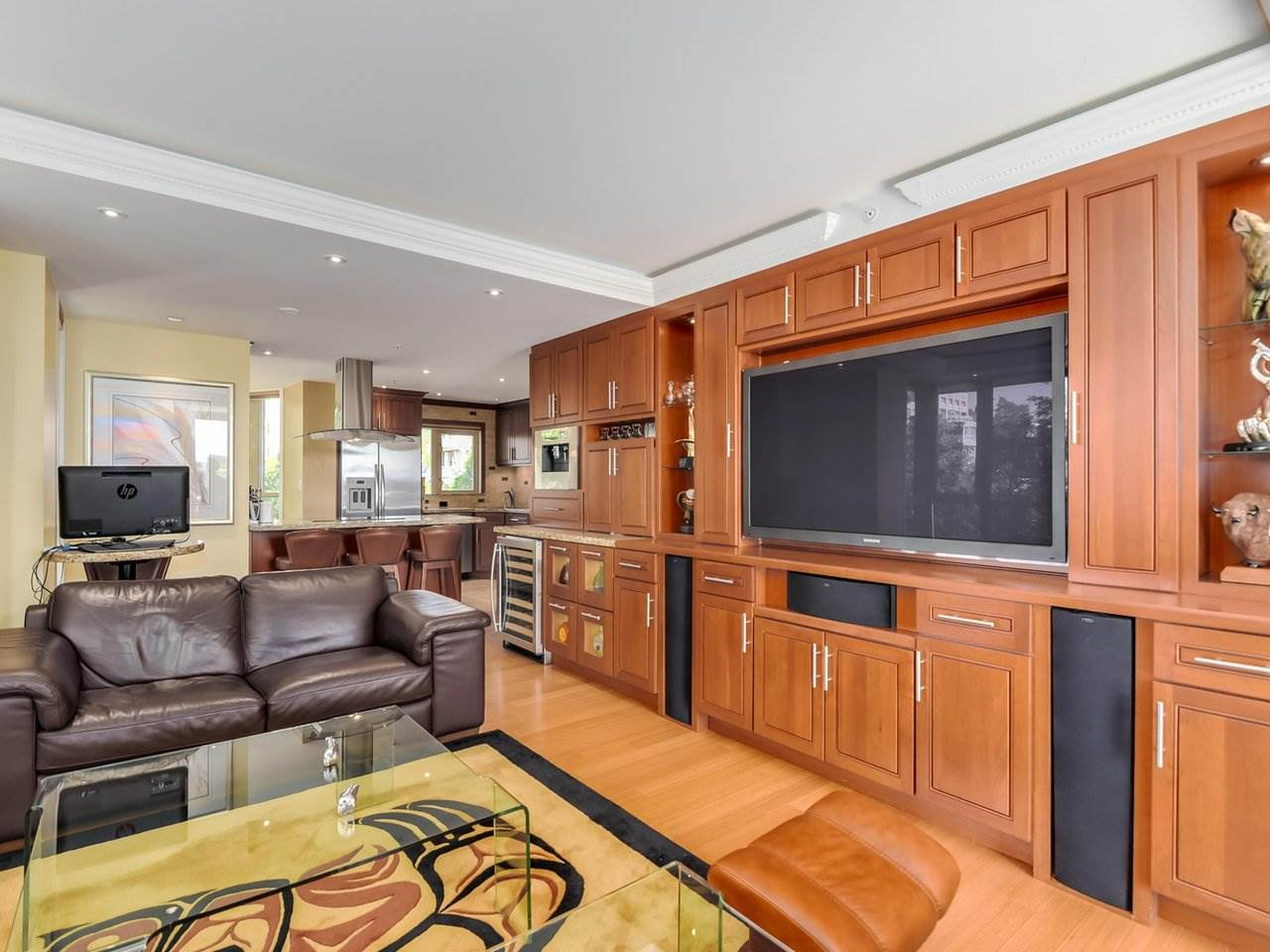 "Photo 4: 302 1290 BURNABY Street in Vancouver: West End VW Condo for sale in ""The Bellevue"" (Vancouver West)  : MLS(r) # R2187984"