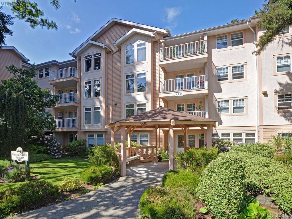 Main Photo: 102 606 Goldstream Avenue in VICTORIA: La Fairway Condo Apartment for sale (Langford)  : MLS® # 382112