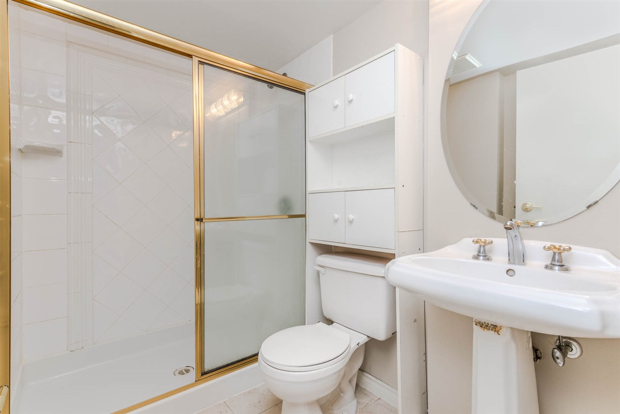 "Photo 16: 1204 939 HOMER Street in Vancouver: Yaletown Condo for sale in ""THE PINNACLE"" (Vancouver West)  : MLS® # R2204695"