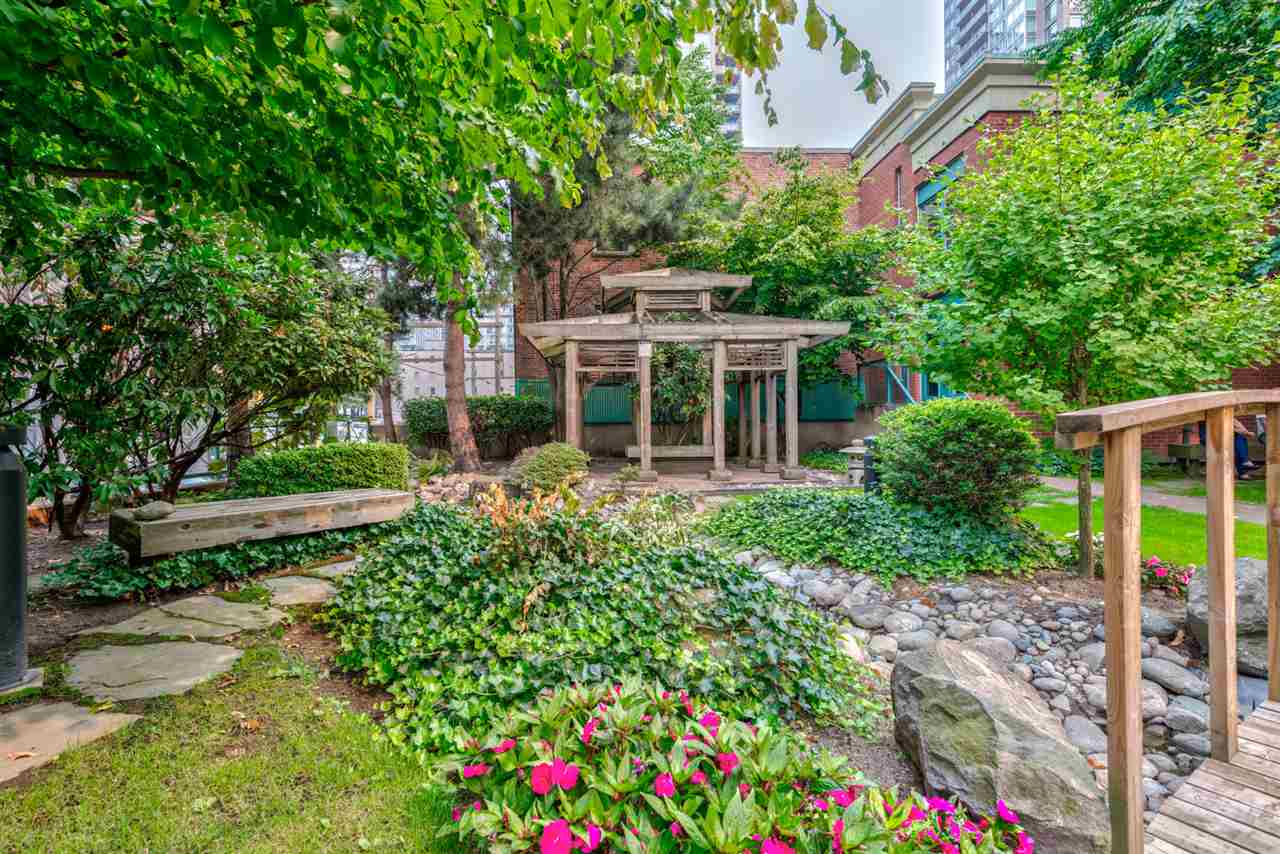 "Photo 19: 1204 939 HOMER Street in Vancouver: Yaletown Condo for sale in ""THE PINNACLE"" (Vancouver West)  : MLS® # R2204695"