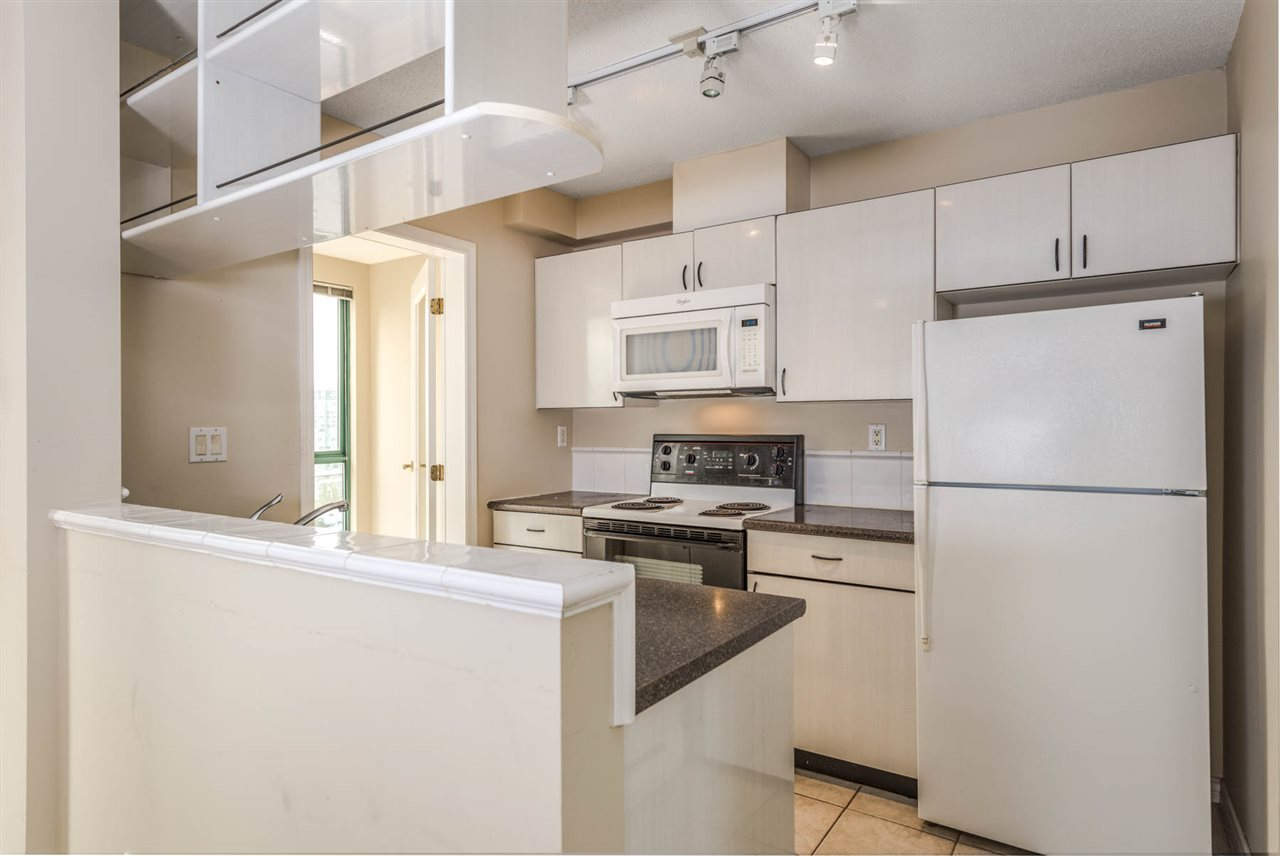 "Photo 8: 1204 939 HOMER Street in Vancouver: Yaletown Condo for sale in ""THE PINNACLE"" (Vancouver West)  : MLS® # R2204695"