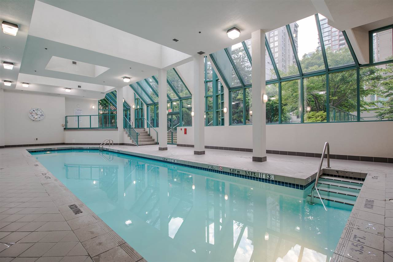 "Photo 18: 1204 939 HOMER Street in Vancouver: Yaletown Condo for sale in ""THE PINNACLE"" (Vancouver West)  : MLS® # R2204695"