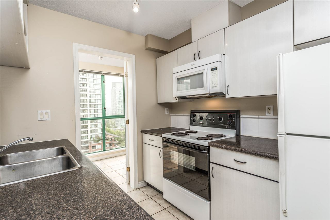 "Photo 9: 1204 939 HOMER Street in Vancouver: Yaletown Condo for sale in ""THE PINNACLE"" (Vancouver West)  : MLS® # R2204695"