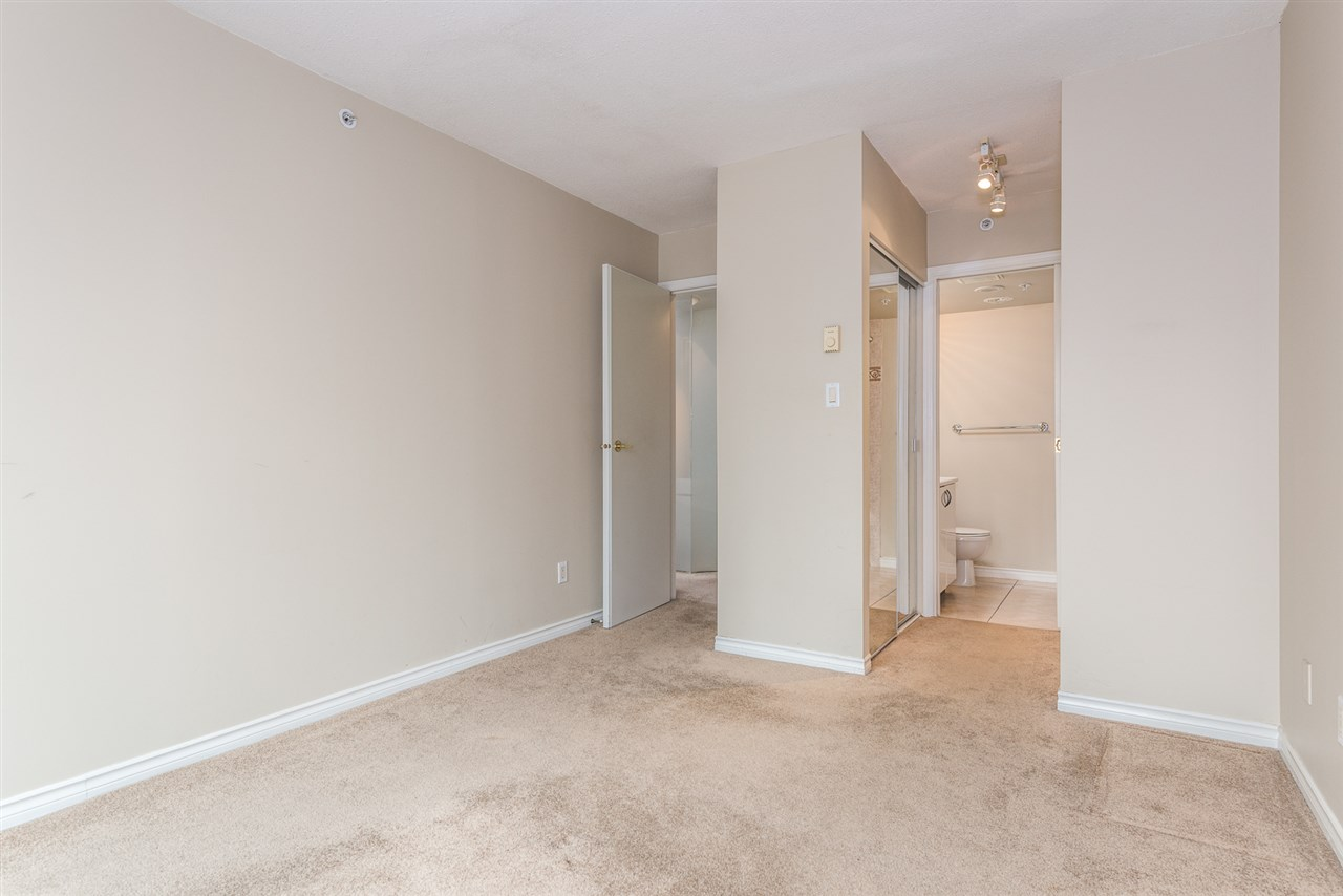 "Photo 14: 1204 939 HOMER Street in Vancouver: Yaletown Condo for sale in ""THE PINNACLE"" (Vancouver West)  : MLS® # R2204695"