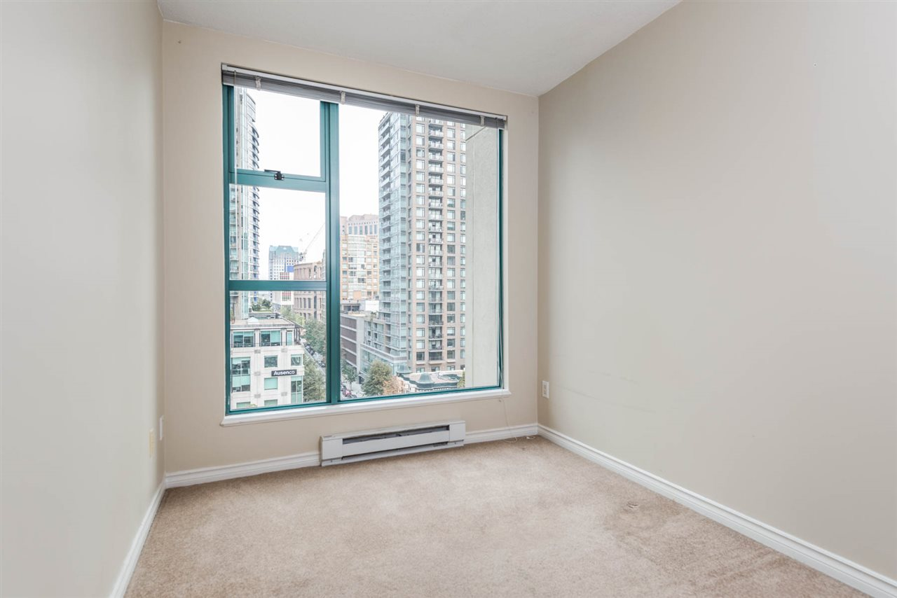 "Photo 15: 1204 939 HOMER Street in Vancouver: Yaletown Condo for sale in ""THE PINNACLE"" (Vancouver West)  : MLS® # R2204695"