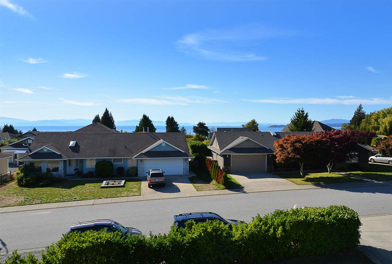 Photo 7: Photos: 5050 BAY Road in Sechelt: Sechelt District House for sale (Sunshine Coast)  : MLS®# R2211781
