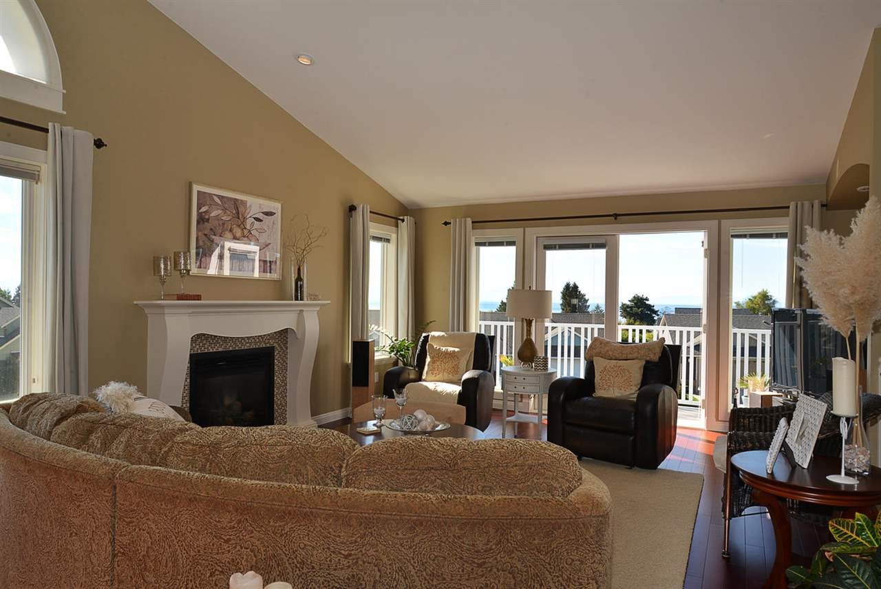 Photo 5: Photos: 5050 BAY Road in Sechelt: Sechelt District House for sale (Sunshine Coast)  : MLS®# R2211781