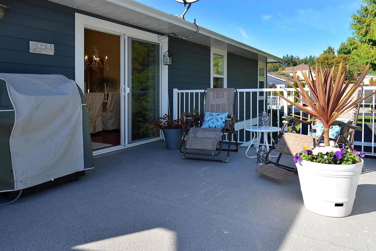 Photo 12: Photos: 5050 BAY Road in Sechelt: Sechelt District House for sale (Sunshine Coast)  : MLS®# R2211781
