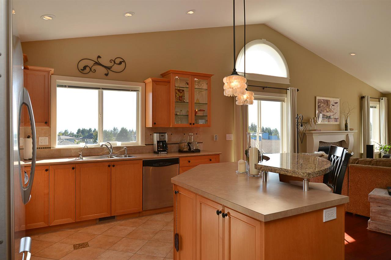 Photo 10: Photos: 5050 BAY Road in Sechelt: Sechelt District House for sale (Sunshine Coast)  : MLS®# R2211781