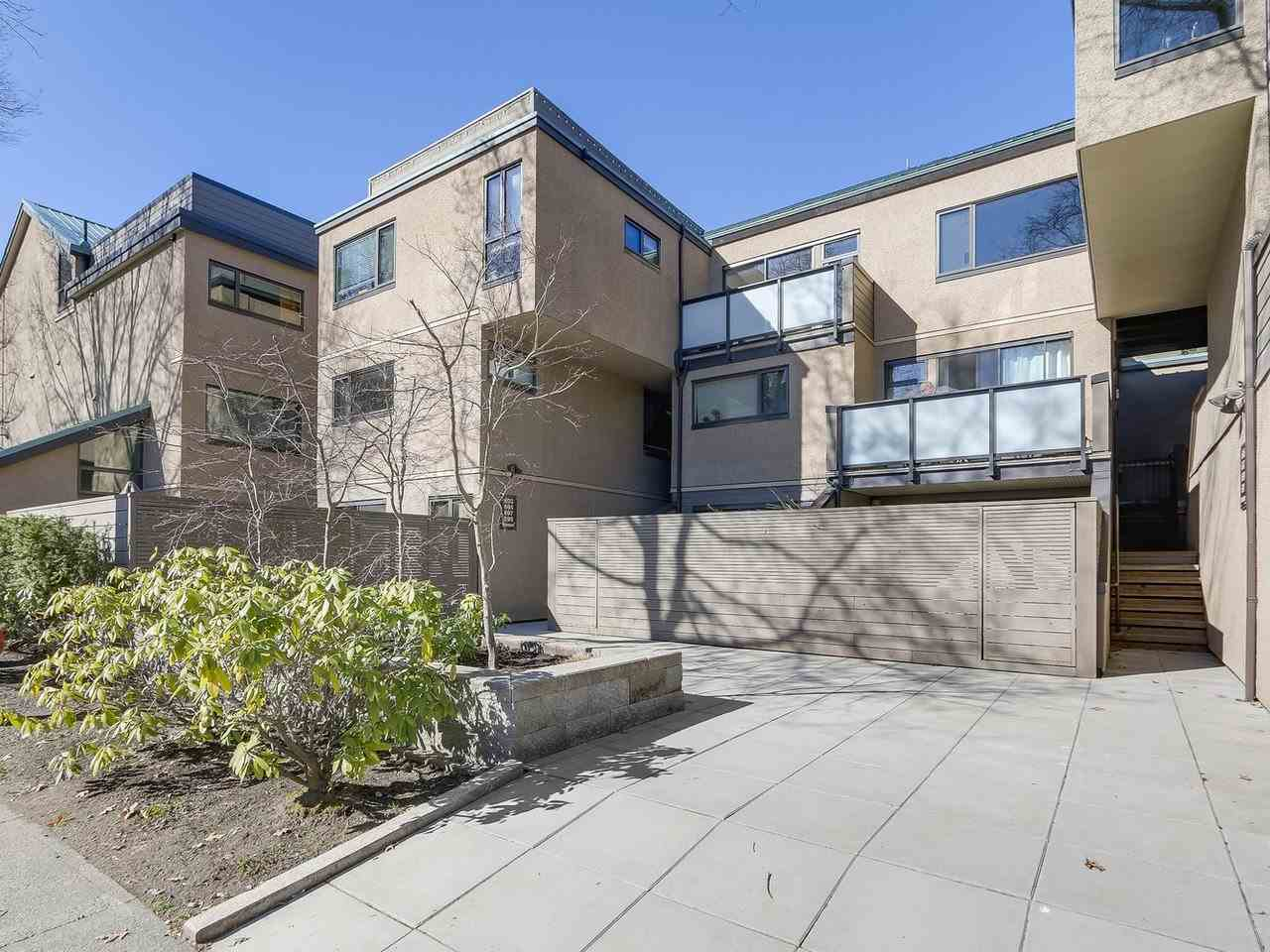 "Main Photo: 695 MOBERLY Road in Vancouver: False Creek Townhouse for sale in ""CREEK VILLAGE"" (Vancouver West)  : MLS®# R2277622"