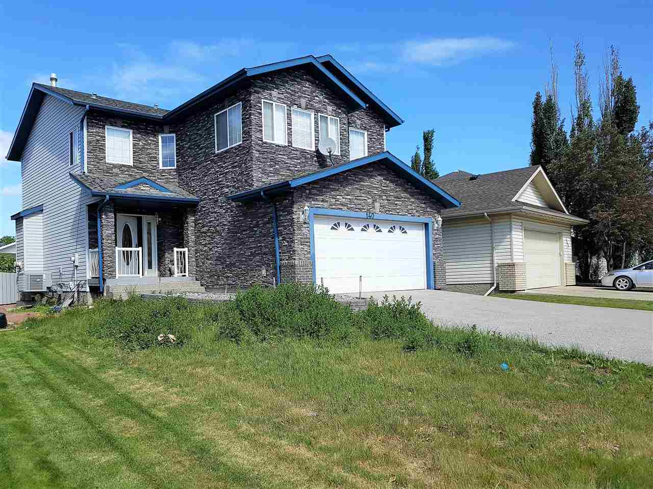 Main Photo: 140 COTE Crescent in Edmonton: Zone 27 House for sale : MLS®# E4132507