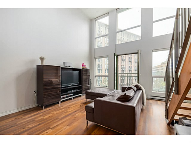 Photo 3: 407 1 E CORDOVA Street in Vancouver: Downtown VE Condo for sale (Vancouver East)  : MLS(r) # V1086098