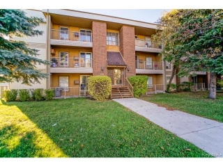 Main Photo: 932 Summerside Avenue in WINNIPEG: Fort Garry / Whyte Ridge / St Norbert Condominium for sale (South Winnipeg)  : MLS(r) # 1500773