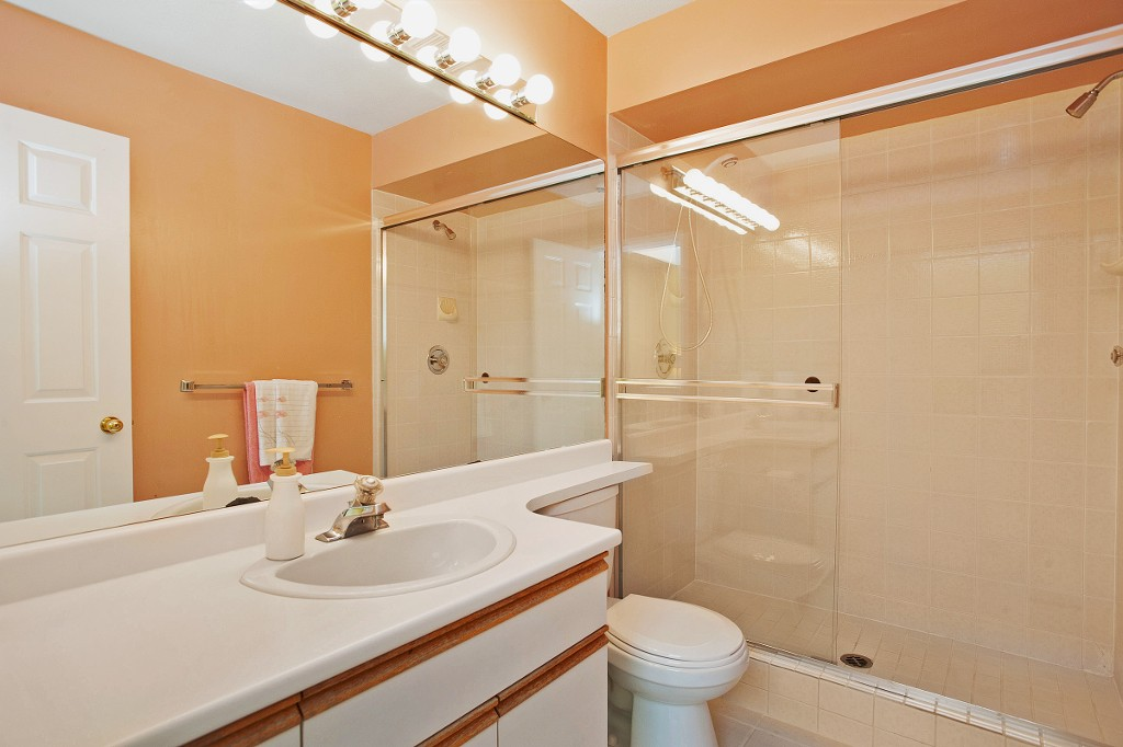 "Photo 17: 15 3634 GARIBALDI Drive in North Vancouver: Roche Point Townhouse for sale in ""BROOKSIDE"" : MLS(r) # V1106643"