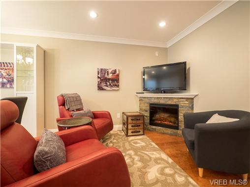 Photo 2: 2 523 Trutch Street in VICTORIA: Vi Fairfield West Condo Apartment for sale (Victoria)  : MLS(r) # 351744