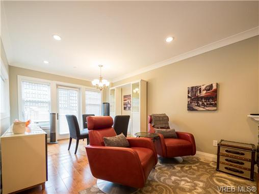 Photo 3: 2 523 Trutch Street in VICTORIA: Vi Fairfield West Condo Apartment for sale (Victoria)  : MLS(r) # 351744