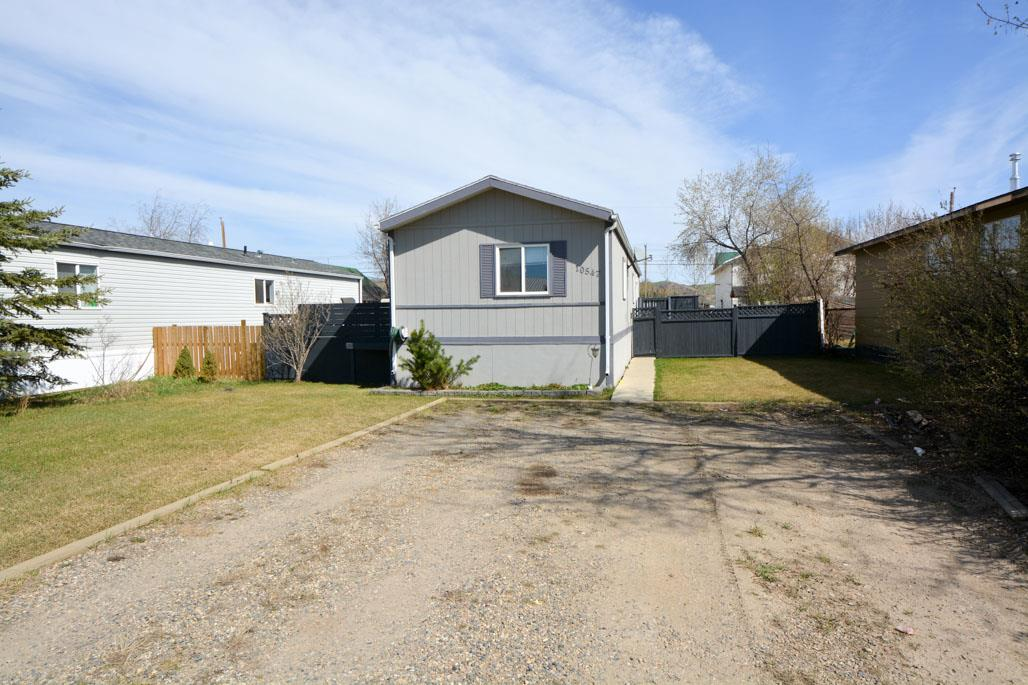 Main Photo: 10547 101 Street: Taylor Manufactured Home for sale (Fort St. John (Zone 60))  : MLS® # R2039695