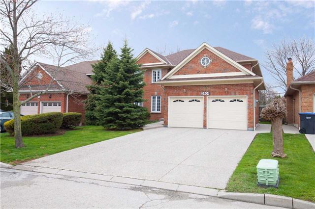 Main Photo: 3904 Glamis Court in Mississauga: Erin Mills House (2-Storey) for sale : MLS(r) # W3478687