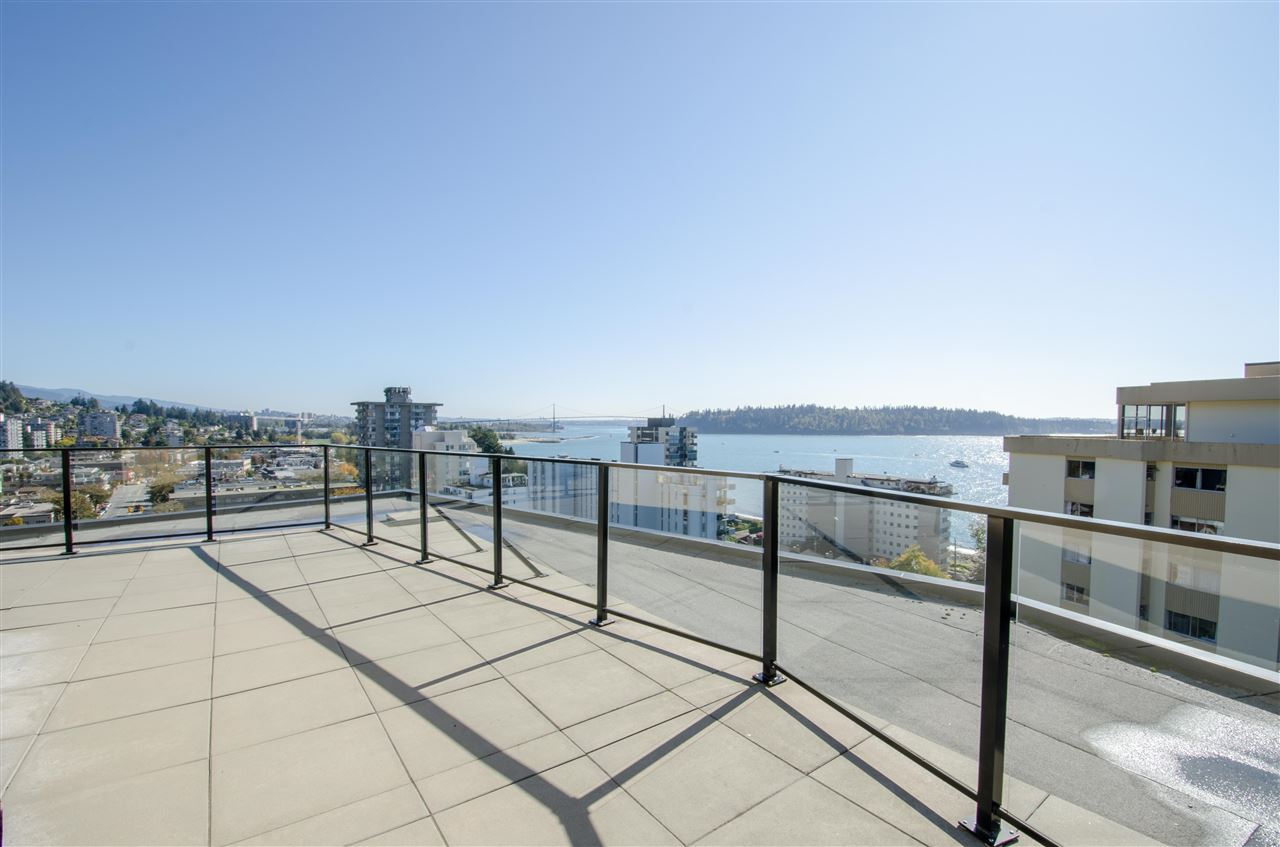 "Main Photo: 303 1930 MARINE Drive in West Vancouver: Ambleside Condo for sale in ""Park Marine"" : MLS®# R2112898"