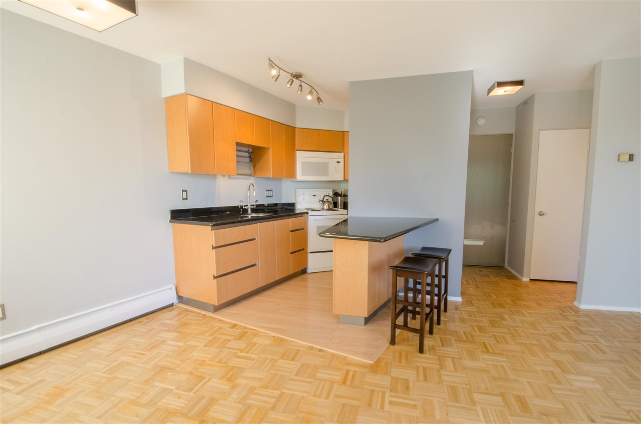 "Photo 5: Photos: 303 1930 MARINE Drive in West Vancouver: Ambleside Condo for sale in ""Park Marine"" : MLS® # R2112898"