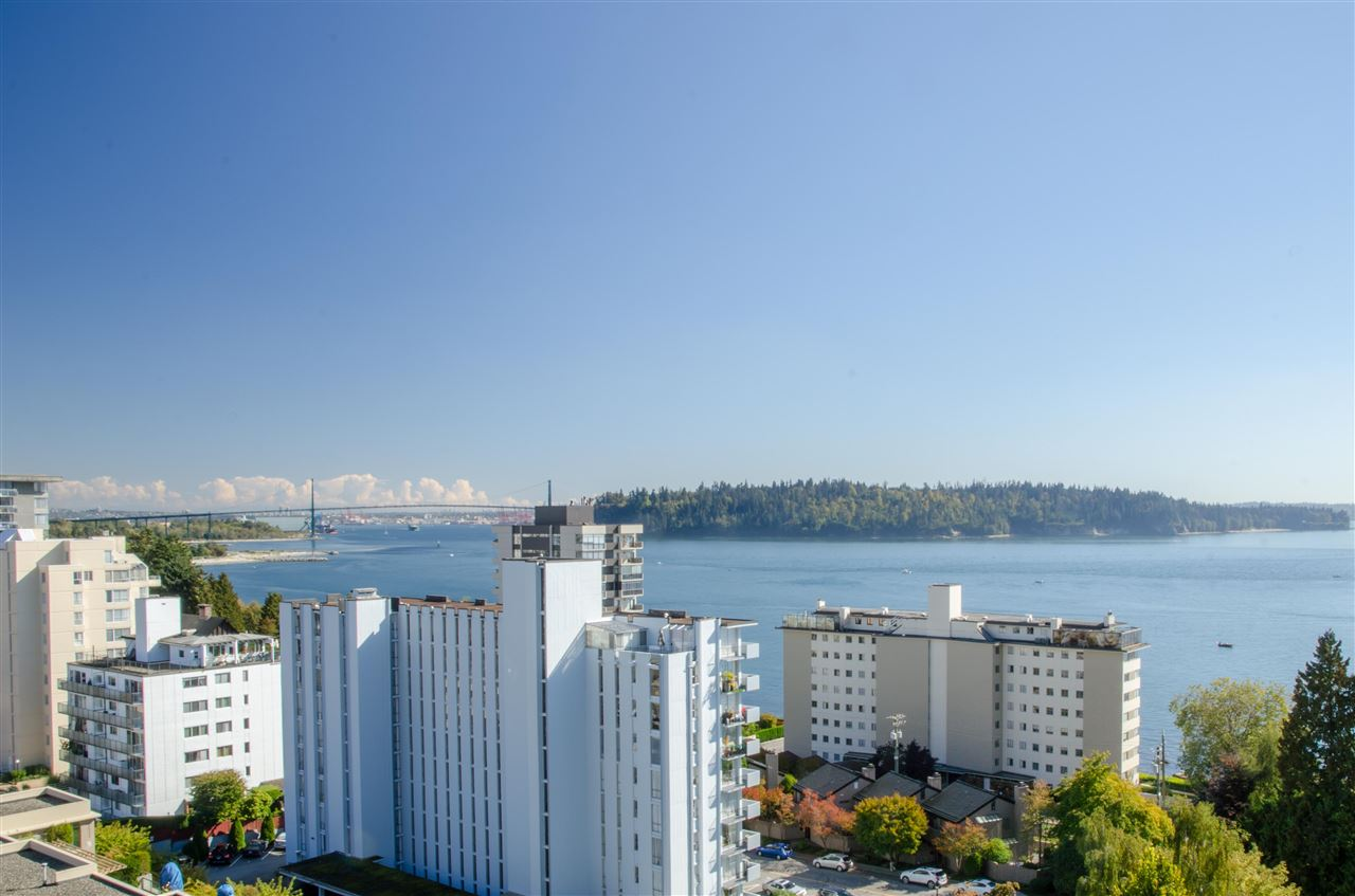 "Photo 11: Photos: 303 1930 MARINE Drive in West Vancouver: Ambleside Condo for sale in ""Park Marine"" : MLS® # R2112898"