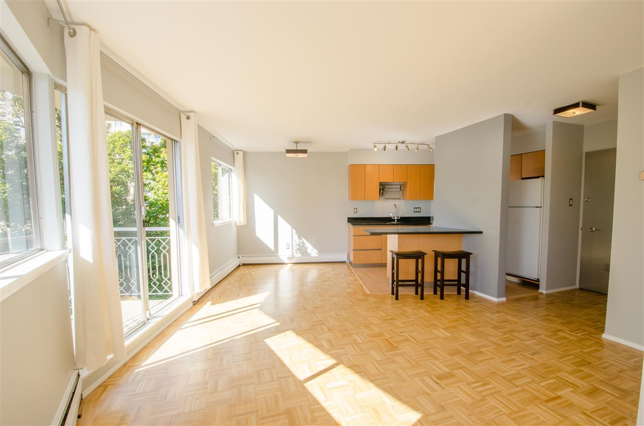 "Photo 6: Photos: 303 1930 MARINE Drive in West Vancouver: Ambleside Condo for sale in ""Park Marine"" : MLS® # R2112898"
