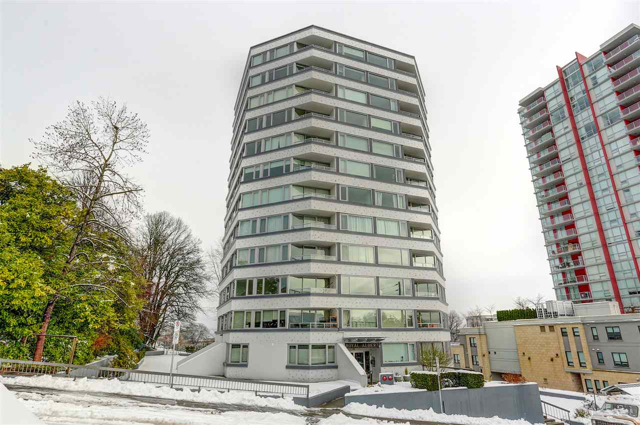 "Main Photo: 404 31 ELLIOT Street in New Westminster: Downtown NW Condo for sale in ""ROYAL ALBERT TOWERS"" : MLS® # R2128522"