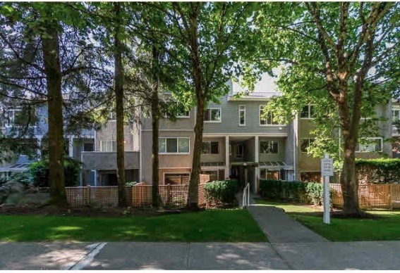 "Main Photo: 3374 MARQUETTE Crescent in Vancouver: Champlain Heights Townhouse for sale in ""CHAMPLAIN RIDGE"" (Vancouver East)  : MLS® # R2134890"