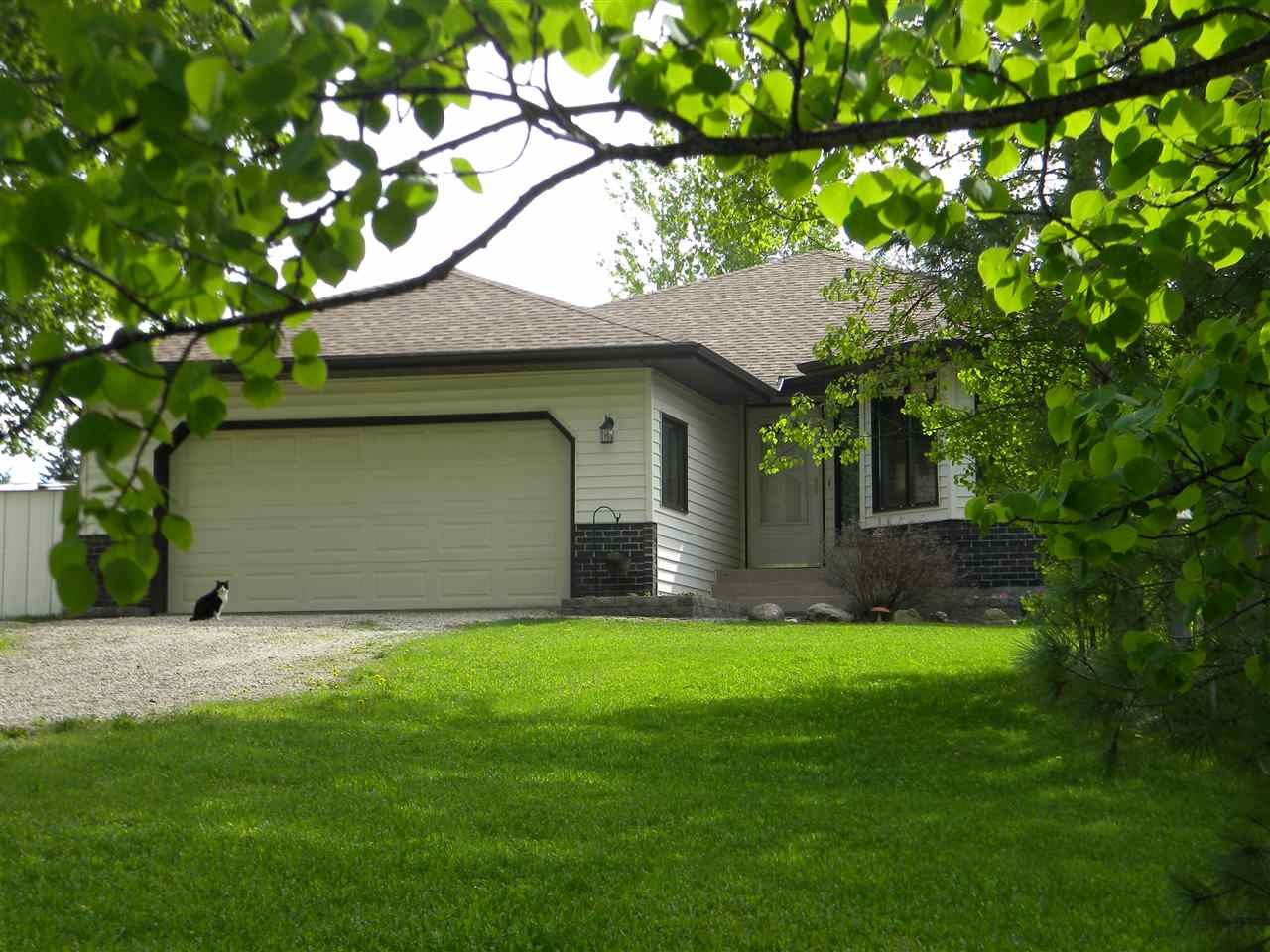 Main Photo: 102 53123 RGE RD 21: Rural Parkland County House for sale : MLS® # E4051821