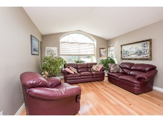 "Main Photo: 2352 MOUNTAIN Drive in Abbotsford: Abbotsford East House for sale in ""Mountain Village"" : MLS(r) # R2148651"